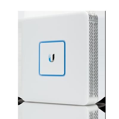 thiết bị cân bằng tải UniFi Security Gateway